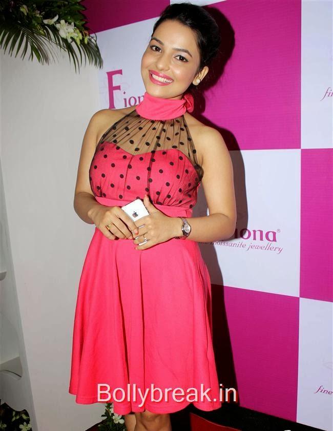 Chitrashi Rawat, Mugdha Godse at Fiona Jewels Store Launch