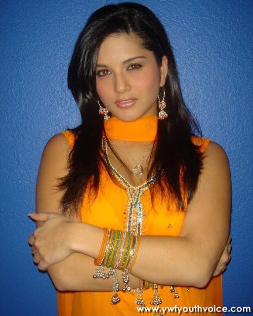 Sunny Leone Desi Look In Suit Salwar, Adorable Sunny Leone, Cute Sunny Leone, Bautiful Sunny Leone, Desi Look Sunny Leone, Hot Sunny Leone, Sexy Sunny Leone Wallpaper