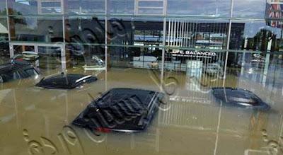 تعلم قيادة السيارات كيف تتصرف إذا تعرضت سيارتك للغرق فى المطر
