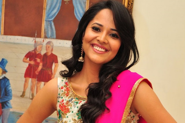 Anchor Anasuya Age, Family, Caste, Photos, Complete Biography