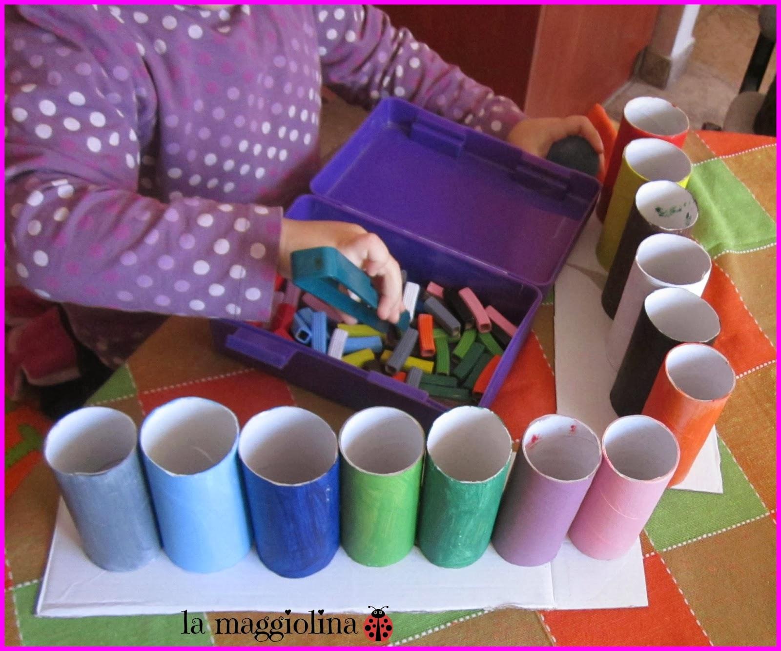 Eccezionale la maggiolina: Giocare con i colori: riciclare rotoli di carta  XC32