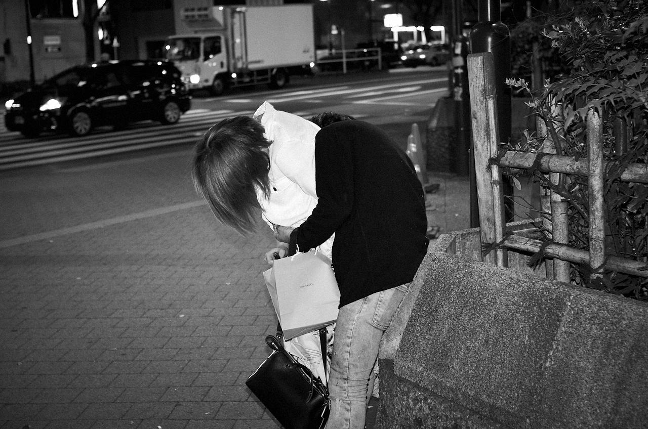 Shinjuku Mad - Crowd fondling 11