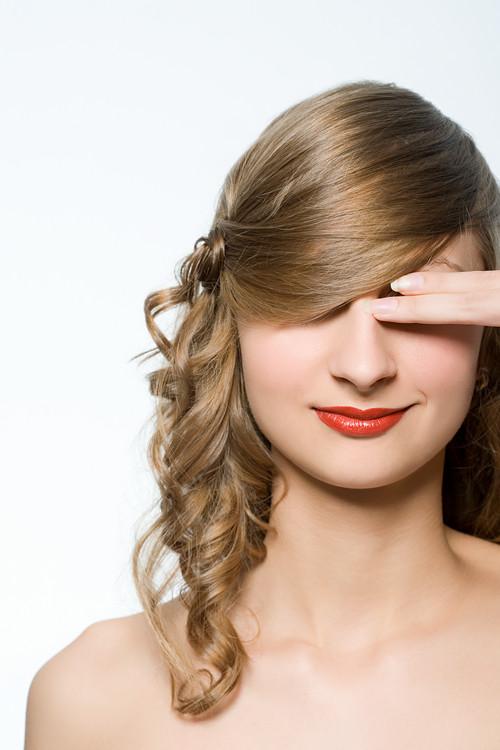 Everyday Hairstyles For Medium Hair - blondelacquer