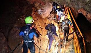 Ξεκίνησε και πάλι η επιχείρηση στο σπήλαιο της Ταϊλάνδης. Λεπτό προς λεπτό η διάσωση