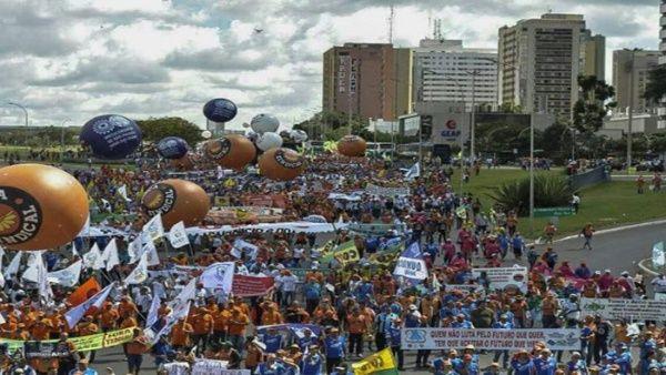 Sindicatos brasileños anuncian marcha por reforma de pensiones