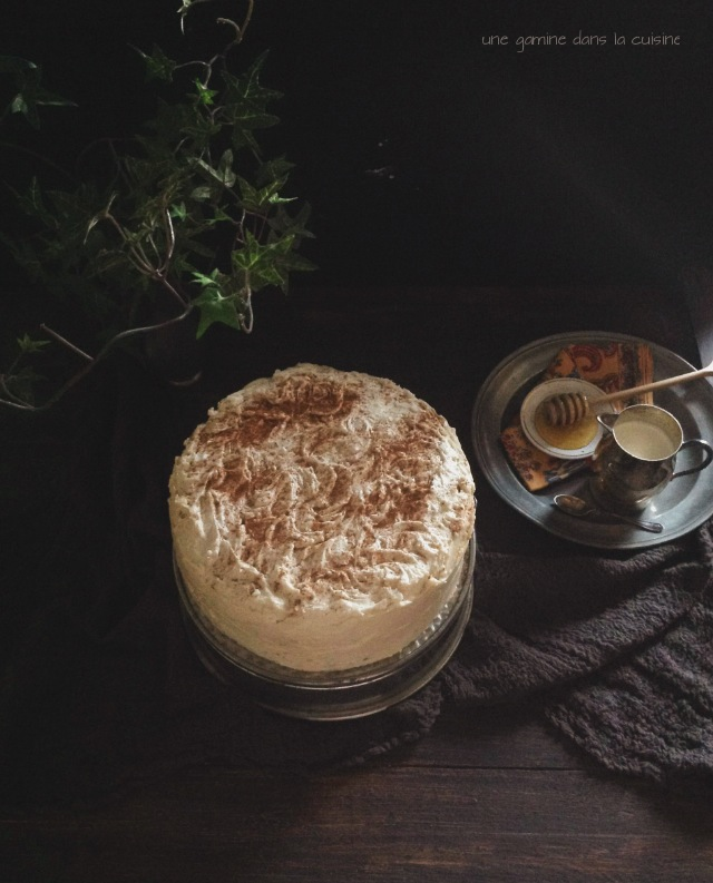 Pineapple Carrot Cake with Honey-Cinnamon Swiss Meringue Buttercream | une gamine dans la cuisine