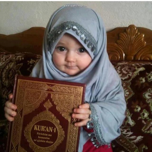 holding quran