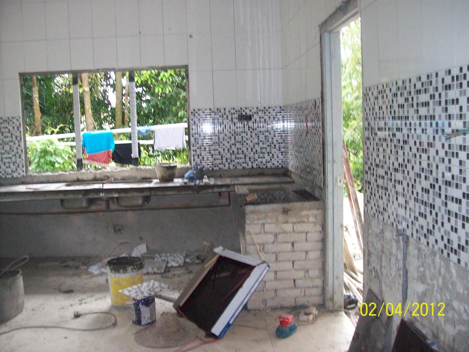 Ini Semasa Pembinaan Dan Pemasangan Tiles Dinding Dijalankan
