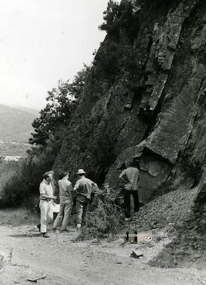 Robert H. Wagner con unos compañeros en el Estratotipo Barrueliense (Barruelo de Santullán)