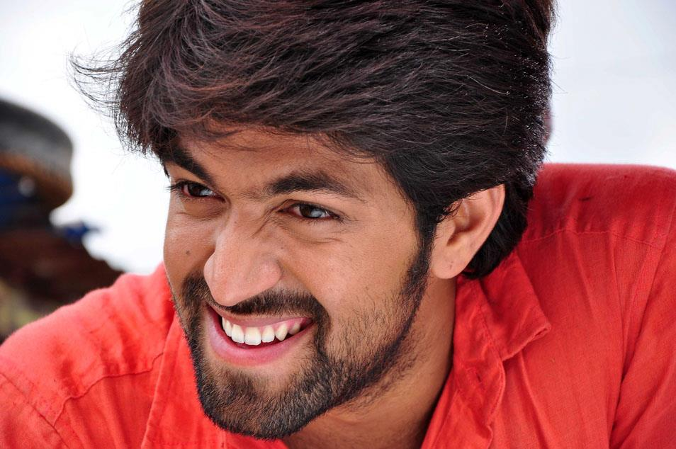 Kannada hero yash hd photos