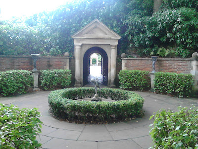 Roman Garden Compton Acres Green Fingered Blog