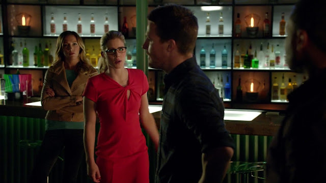 Felicity Smoak orange dress