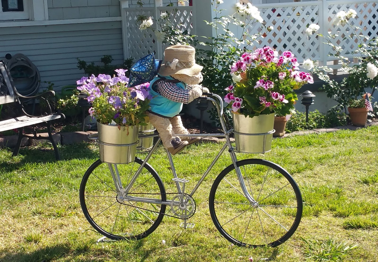 Image result for cycle style garden interior,लोीग