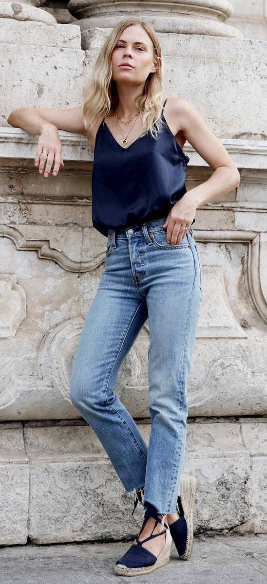 summer outfit idea: top + jeans