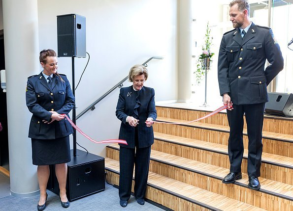 Queen Sonja of Norway officially opened the new Police Operations Center in Tønsberg. The Center is located hosts at the same time the district court