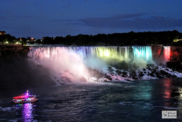 Niagara Falls - wodospad Amerykański nocą