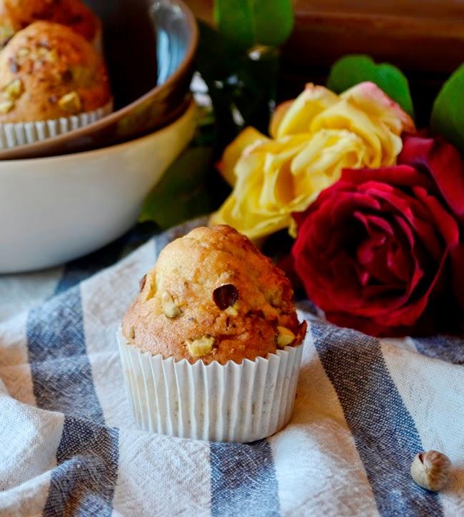 Magdalenas de pistachos y rosas