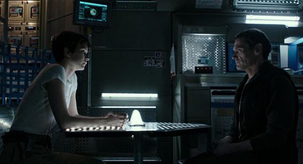 Cena - Daniels e o capitão Christopher Ober conversando sobre o desvio da missão | Blog #tas