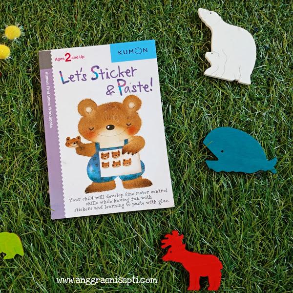 Ulasan Buku Kerja Let's Stikers&Paste Kumon