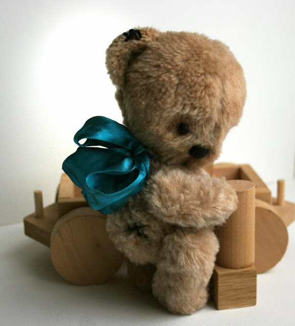 Collectible art teddy bear