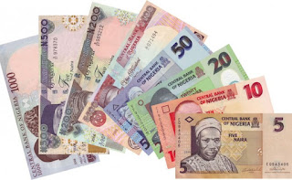 Naira Weakens Against the Dollar