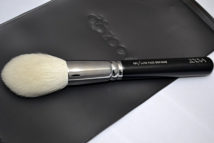 101_Luxe_Face_Definer_brush_by_ZOEVA_01