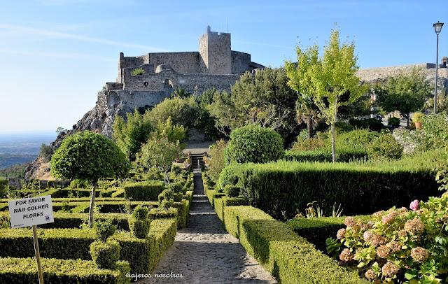 Jardines del castillo de Marvâo