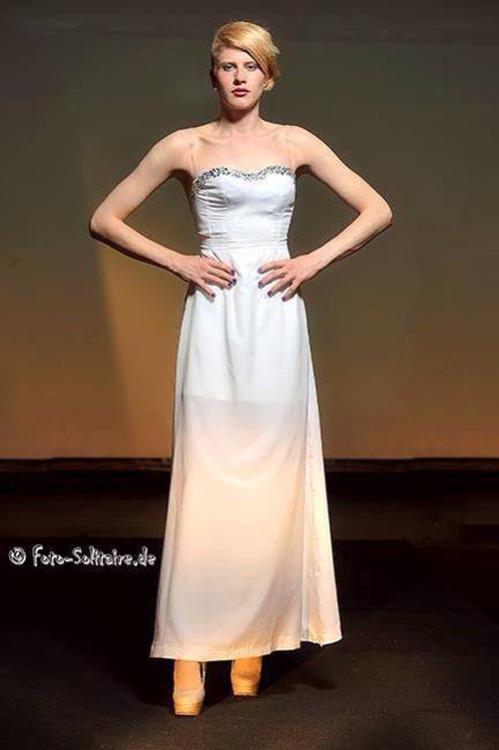 Cross-dress in bride Suit