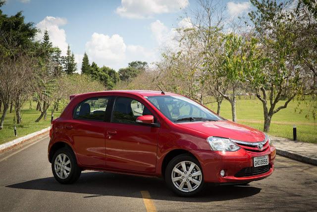 Toyota Etios Automático