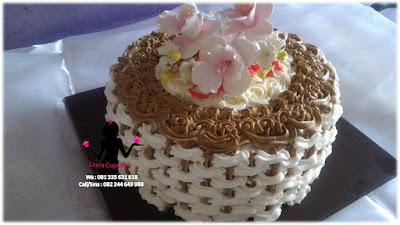 Kue Tart Pertunangan Mbak Neni Surabaya