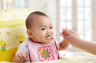 Bubur Bayi Instan atau Bubur Bayi Buatan Sendiri, Mana yang Lebih Baik?