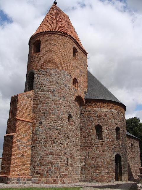 Romańska rotunda pod wezwaniem św. Prokopa w Strzelnie