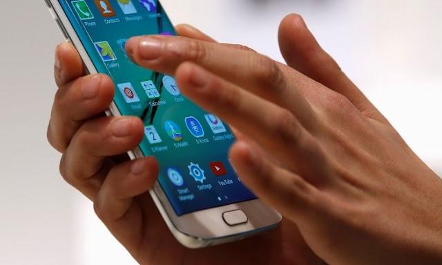 Simple Ways to Free Yourself from Your Smartphone