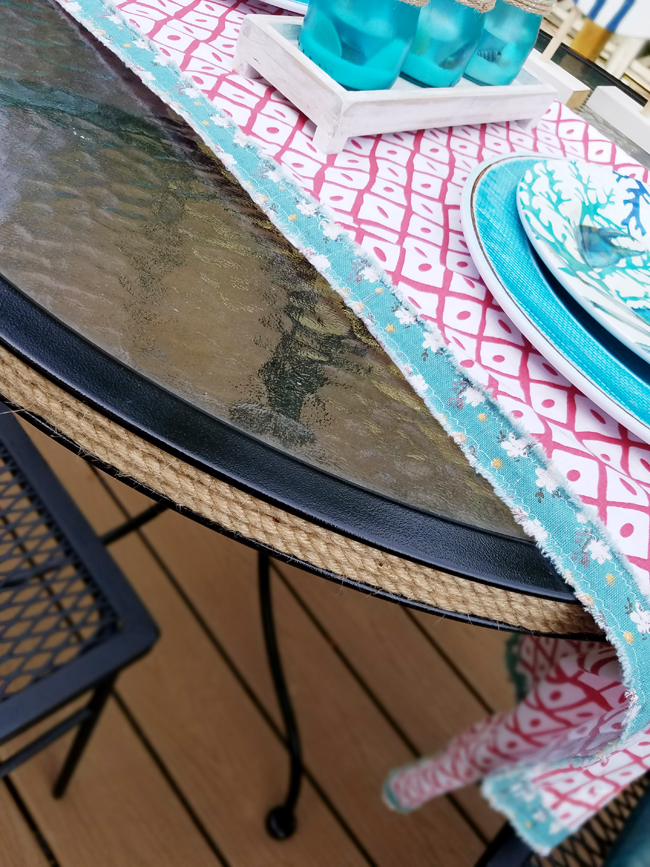 Jute rope around patio table - home decor