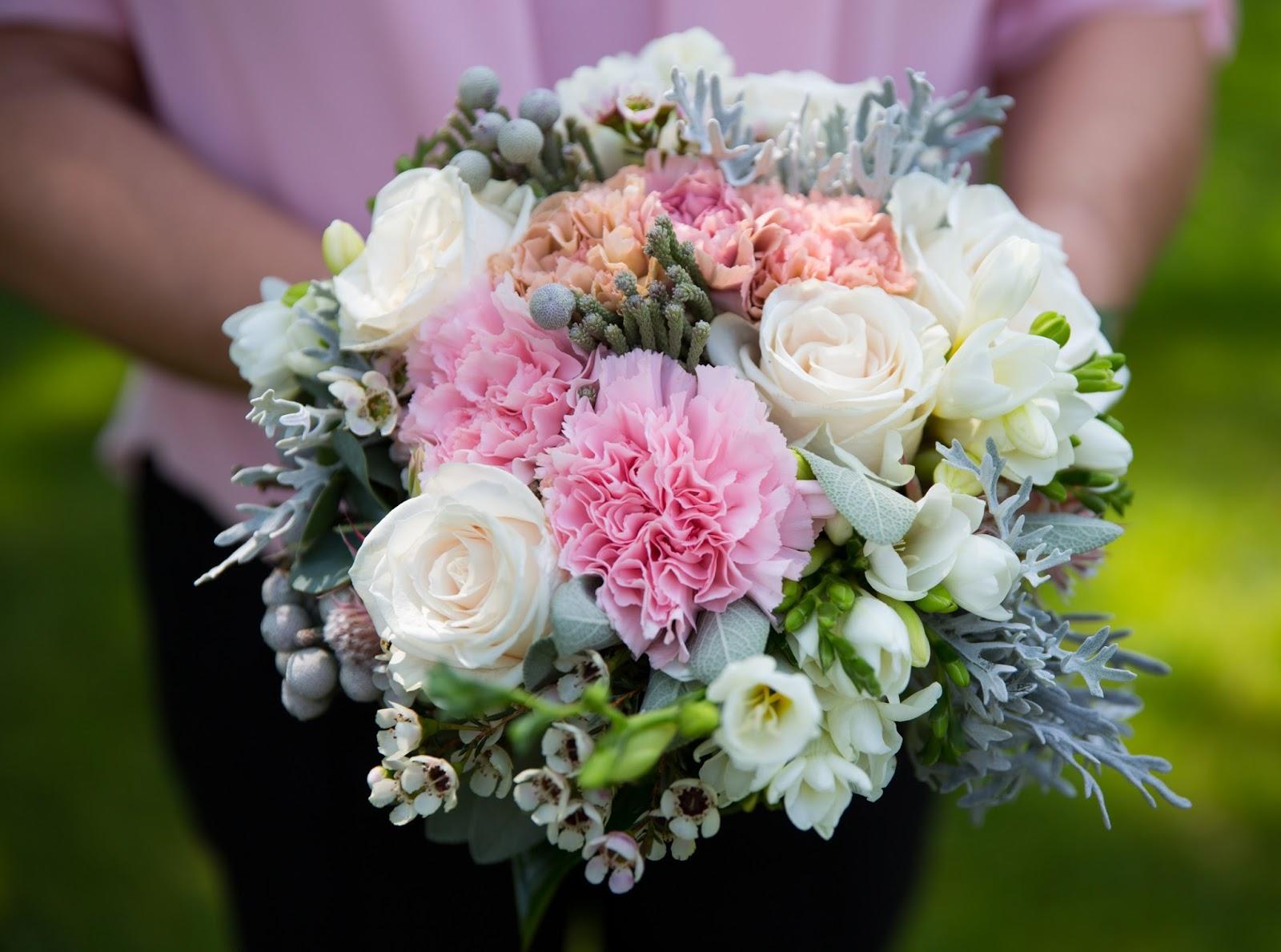 Bouquet sposa rosa e bianco