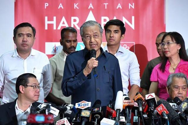 Ông Mahathir trúng cử Thủ tướng Malaysia ở tuổi 92