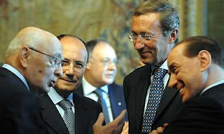 Fini and Silvio Berlusconi (right) meet the Italian  president Giorgio Napolitano (left) after the 2001 elections