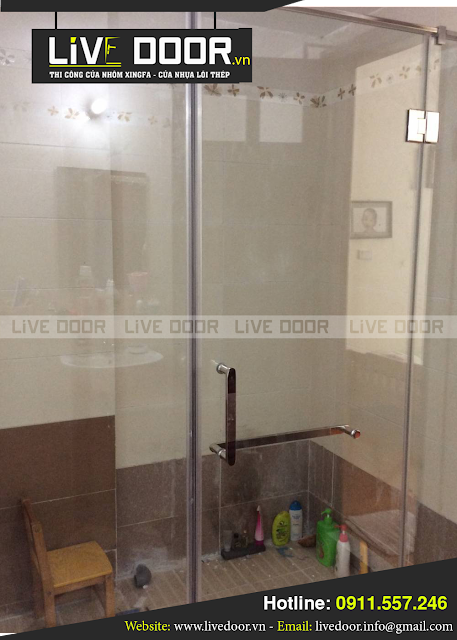 mẫu cửa kính phòng tắm mở quay đẹp, cửa kính phòng tắm ở đà nẵng, cua kinh phong tam da nang
