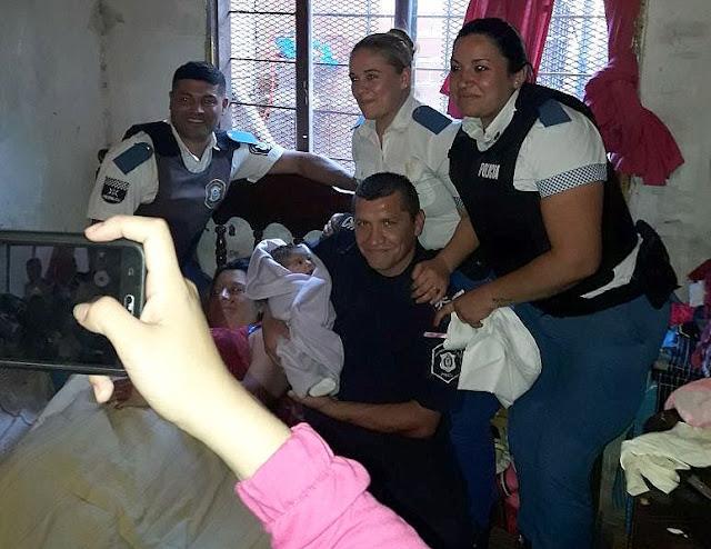 Los Poliparteros de Navidad ayudaron a dar a luz a una mamá en José C. Paz