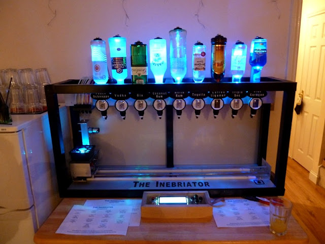 The Inebriator : Barman Robot