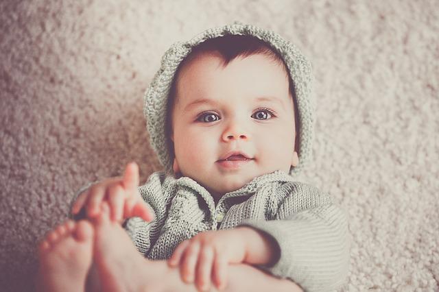 pertumbuhan bayi usia 1 - 3 bulan, perkembangan bayi 1 - 3 bulan, bayi 1 - 3 bulan, bayi