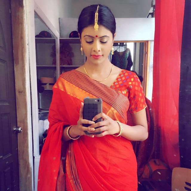 Mumtaheena Chowdhury Toya In Orange Saree