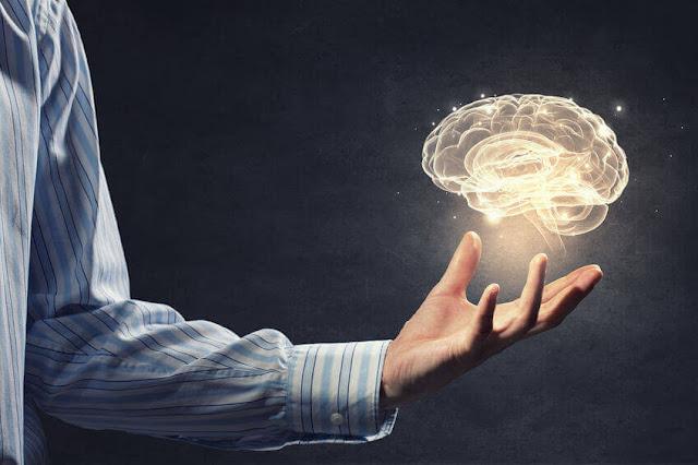 Tidak bisa dipungkiri bahwa daya ingat kita akan semakin berkurang seiring dengan bertambahnya usia.Namun, anda tidak perlu panik.Anda bisa melakukan beberapa hal untuk meningkatkan daya ingat dan kemampuan otak anda. Lalu, bagaimana cara meningkatkan daya ingat? Simak ulasan berikut ini.