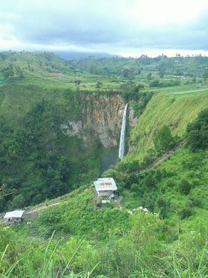 Air terjun Sipisopiso di Sumatera Utara