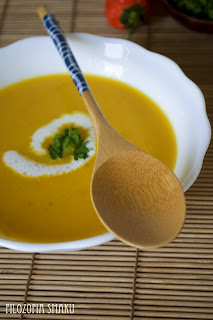 (zupa marchewkowa z mlekiem kokosowym i chili