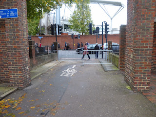 New barriers on LCN route 3 at Oval on lambethcyclists.org.uk