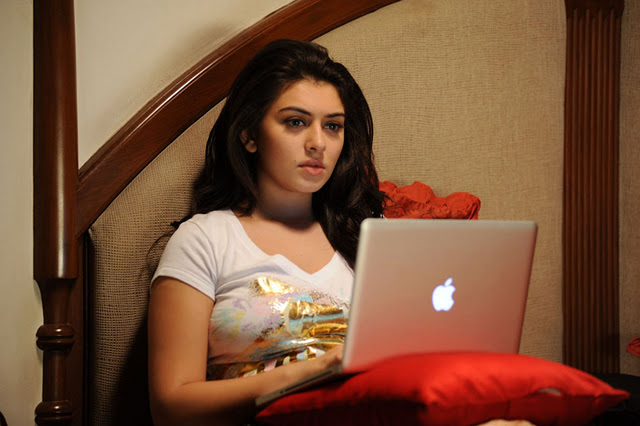 Track Mail: Hansika Motwani's Latest Cute Pictures