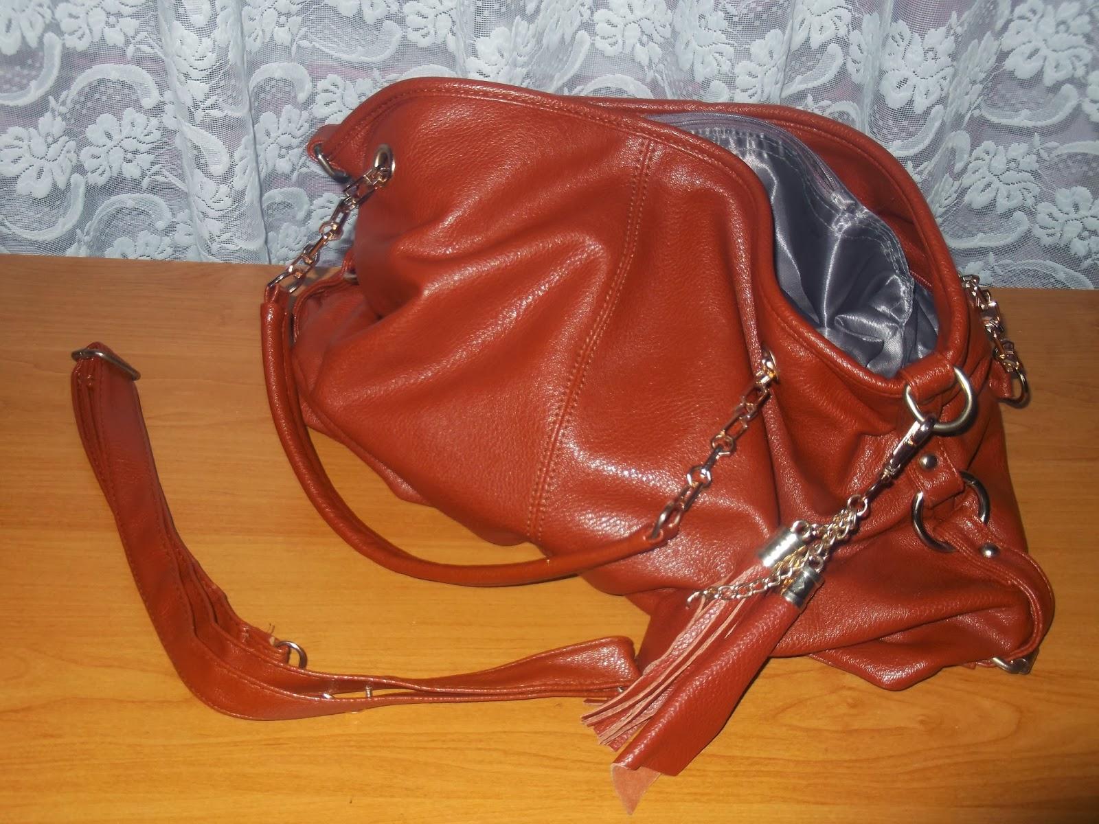12d1162764f35 Dodatkowo dostajemy przypinany pasek choć mi wystarczają krótsze rączki  torebki