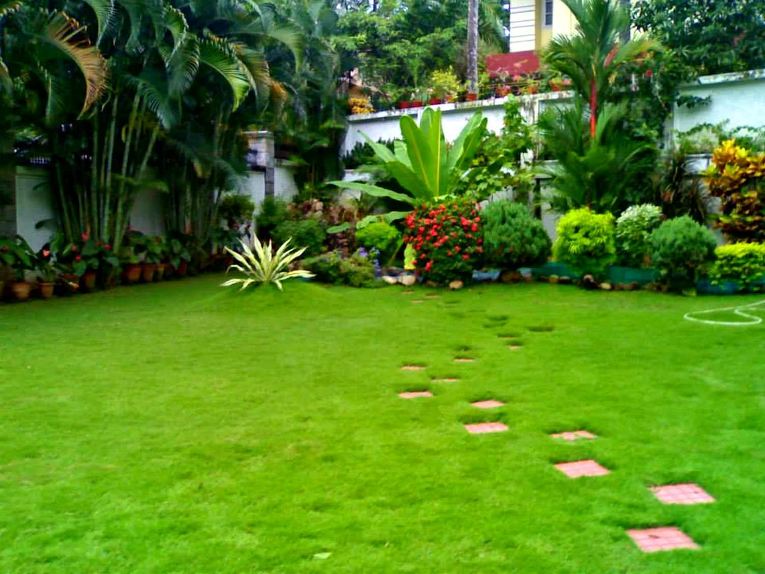 Kerala style landscape design photos kerala home design for Garden landscape pictures