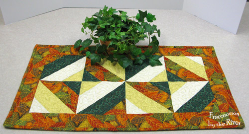 Autumn table runner @Freemotion by the River